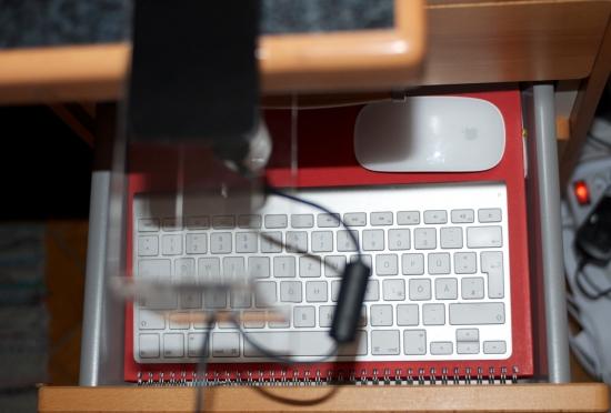 camholder-keyboard